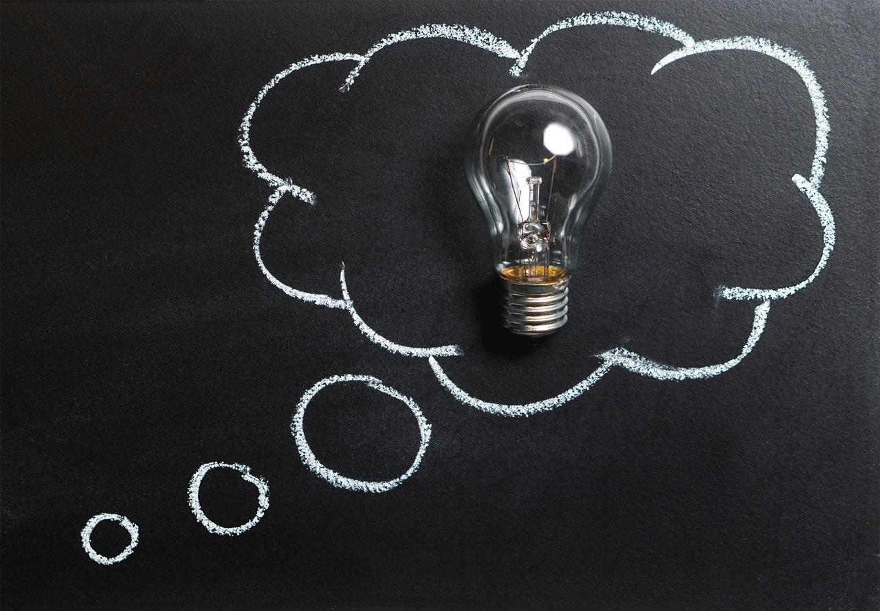Infografika: zapobieganie utracie energii w kontekście poprawy efektywności energetycznej.