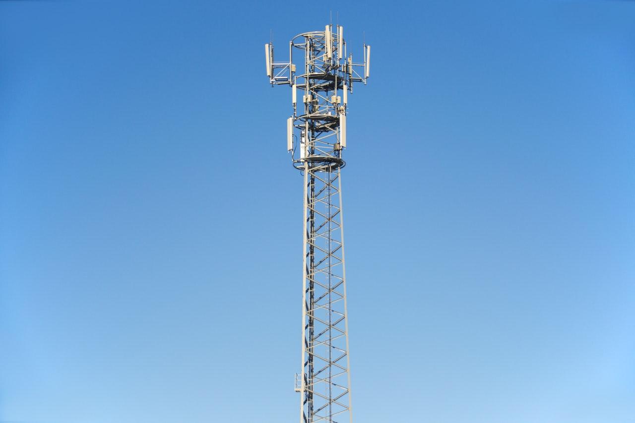 Kwalifikacja stacji bazowej telefonii komórkowej (instalacji radiokomunikacyjnej) jako przedsięwzięcia mogącego znacząco oddziaływać na środowisko